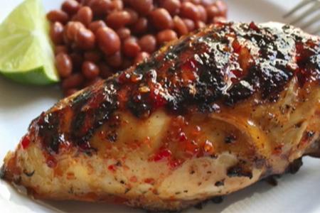 Рецепт: Курица-гриль с томатным острым соусом