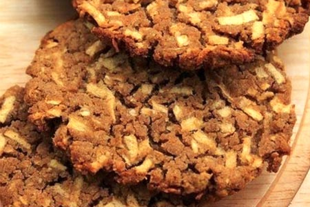 Рецепт: Гречневое печенье с яблоками