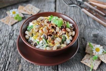Рецепт: Салат из фасоли с брынзой