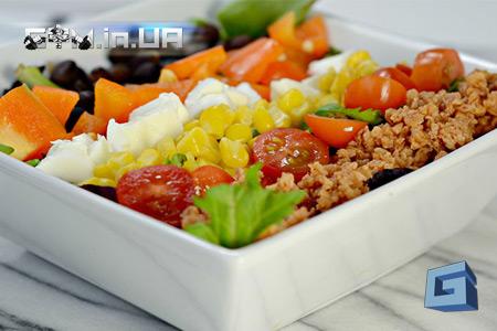 Рецепт: Вегетарианский гриль-салат - минимум жира, максимум белка