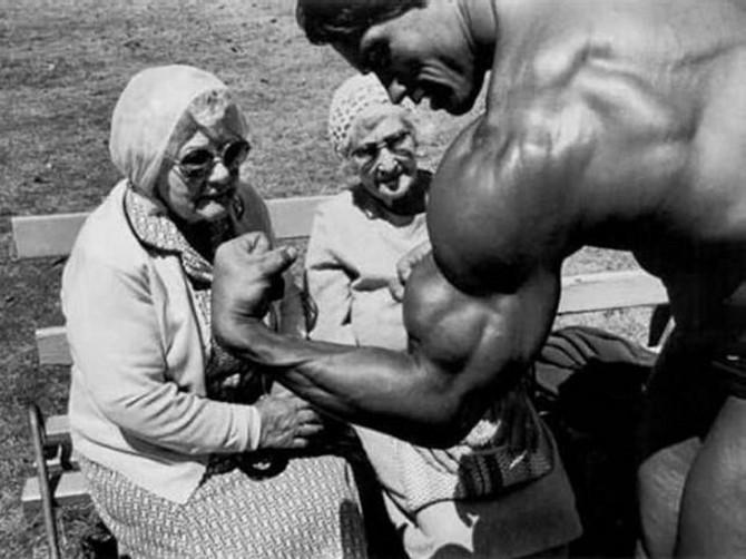 Арнольд Шварценеггер и бабушки