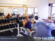 Упражнение: Жим штанги сидя от груди