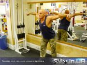 Упражнение: Сведение рук в тросовом тренажере (crossover)