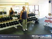 """Упражнение: Перекрёстные """"Молотки"""" с гантелями"""