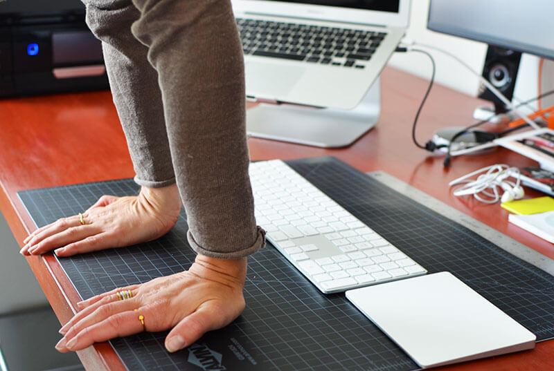 Упражнение для офиса: Растяжка кистей и пальцев рук